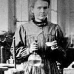 إكتشاف النشاط الإشعاعي : بيكريل و ماري كوري