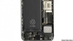 تتفوق بطارية الليثيوم على البطارية الألومنيوم في حجم الطاقة المتولدة