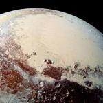 صور جديدة تبين ثقوبا غريبة على سطح كوكب بلوتو