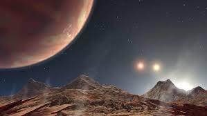 كوكب بثلاث شموس