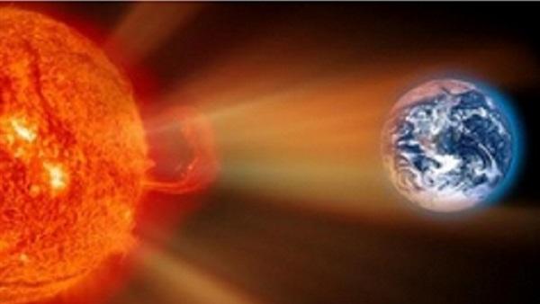 علماء يحذرون من عاصفة شمسية ضخمة قد تعطل الاتصالات لسنوات  Chtoukaphysique